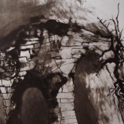 Ce détail d'un dessin de Victor Hugo représente un vieux pont sur lequel on distingue la silhouette d'un homme...