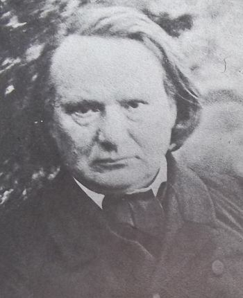 Portrait photographique de Victor Hugo, en 1855, le regard sombre