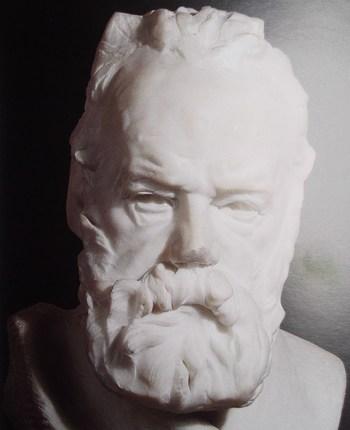 Buste en marbre blanc représentant Victor Hugo, âgé de 85 ans.
