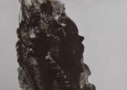 Ce détail d'un dessin de Victor Hugo représente un escalier qui monte dans l'ombre et dont les marches luisent à peine au clair de lune.