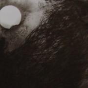 Ce détail d'un dessin de Victor Hugo représente une lune lumineuse, à moins que ce ne soit le rouet d'Omphale. Devant danse un monstre affreux.