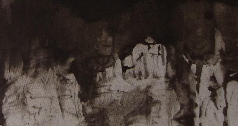 Ce détail d'un dessin de Victor Hugo représente des formes blanchâtres (roches ou démons) tournées vers l'obscurité. L'une semble tendre son bec ouvert vers le ciel.