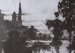 Ce détail d'un dessin de Victor Hugo représente une colline, sur laquelle se dresse une église (ou, du moins, une tour avec son clocher), de l'autre côté d'un étang, à travers des frondaisons.