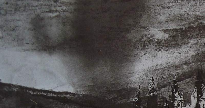 Ce détail d'un dessin de Victor Hugo représente un ciel nébuleux dans lequel on aperçoit une tornade. Sur la droite, les tours d'un château...