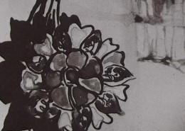 Ce détail d'un dessin de Victor Hugo représente une fleur, ressemblant à une cocarde, et qui projette son ombre.