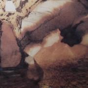 Ce détail d'un dessin de Victor Hugo représente une source qui semble sortir d'une bouche ouverte en un cri, qui pourrait être celui de Munch.