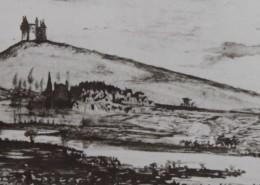 Ce détail d'un dessin de Victor Hugo représente un château (de l'Arbrelles ?) perché sur une colline qui surplombe un village près duquel sinue une rivière.