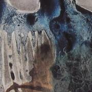 Ce détail d'un dessin de Victor Hugo représente un corps bleu mangé par les vers... à moins que ce soit une pierre habitée par un corps.