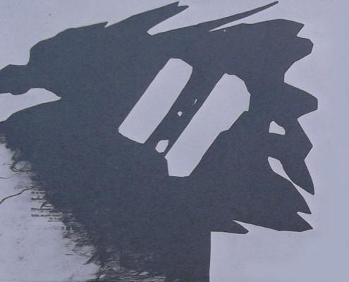 Ce détail d'un dessin de Victor Hugo représente une tête de monstre inclinée vers le bas. Il s'agit là d'un pochoir.